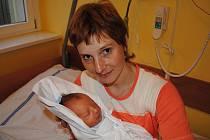 TOMÁŠ  POLÁČEK.  Klučina se narodil  manželům Lence a Jiřímu Poláčkovým v pondělí 30. listopadu  v 5.20 hodin.  Tomášek  vážil 3,2 kilogramu a měřil padesát jedna centimetrů.  Vyrůstat bude v Litomyšli.
