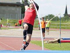 Atlet Ivo Strnad v tyčkařském sektoru.