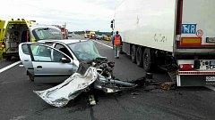 Ranní nehoda tří automobilů zablokovala silnici I/35.