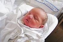 VÁCLAV MUZIKÁŘ. První syn Marie a Miloše se narodil 9. listopadu ve Svitavách. Měřil 48 centimetrů a vážil 3,1 kilogramu. Na brášku se doma těšila dvaapůlletá Anežka. Rodina bydlí v Pomezí.
