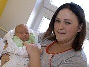 TOMÁŠ MÁLEK. Narodil se 15. března Marii a Lukášovi z Třebařova. Měřil 51 centimetrů a vážil 3,45 kilogramu.