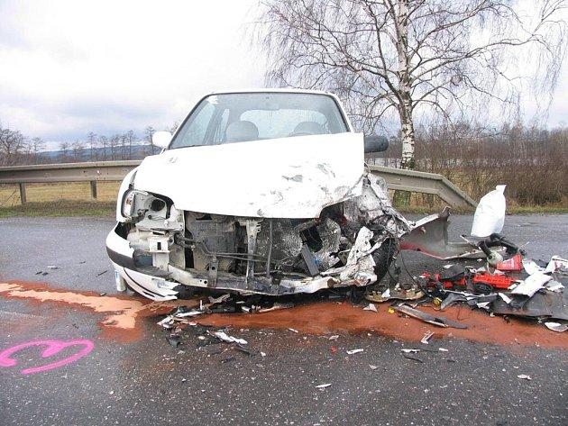 Svitavy - Řidič Nissanu Micra nedal přednost a to se mu vymstilo.