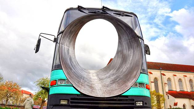 Autobus v Klášterních zahradách 2016.