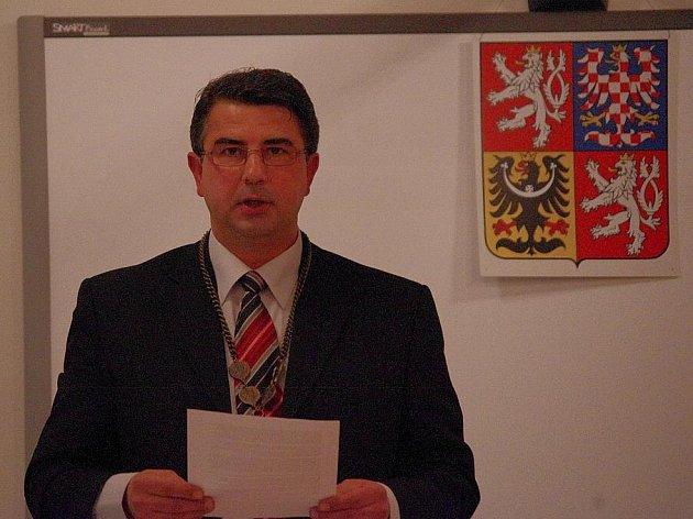 Zastupitelstvo v Bystrém zvolilo nové vedení města. Starostou se stal Miloslav Sejkora.