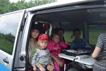 Policisté navštívili děti v Bělé u Jevíčka.
