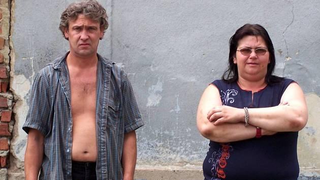 Renata Janíčková si vloni přivedla domů z hudebního festivalu dva punkery. Ti málem zabili jejího manžela. S punkery se nakonec rozešla a manžela přijala zpět.
