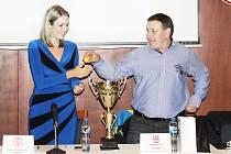 V osudí semifinále Poháru hejtmana Pardubického kraje byla i jména TJ Svitavy a Sokol Pomezí. Radní René Živný jim nalosoval protivníky vysokých kvalit, s nimiž se navíc popasují venku.