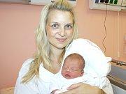 EMA KRÝDOVÁ. Narodila se 20. září ve 22.16 hodin. Vážila 2,8 kilogramu a měřila 47 centimetrů. S rodiči Lenkou a Miroslavem a 12letou Natálkou bydlí v Tržku.