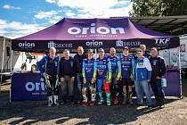 Motokrosaři v barvách Orion Teamu v Petrovicích u Karviné.