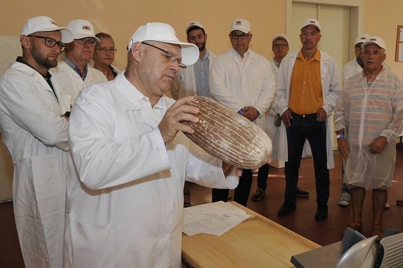 Hodnocení chleba.