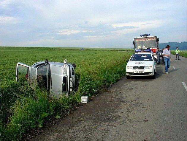 Nerozvážnost mladé řidičky.