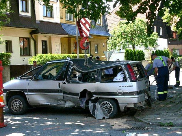 Nehoda na křižovatce u Lesní správy ve Svitavách.
