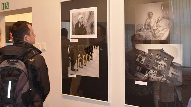 Národní soutěž a výstava amatérské fotografie ve Svitavách.