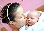 MATYÁŠ ČERNÝ. Chlapeček poprvé zakřičel v porodnici v Litomyšli 23. května v 1.54 hodin. Vážil 3,5 kilogramu a měřil 51 centimetrů. Maminku Pavlínu podpořil tatínek Martin. Společně budou syna vychovávat v Týnišťku.