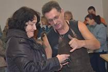Řezbář, kovář a další zkušení odborníci budou ve svitavském muzeu učit děti řemesla.
