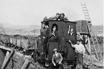 Momentky ze stavby tzv. Hitlerovy dálnice, která se začala budovat v roce 1939, ale bohužel nebyla nikdy dokončena.