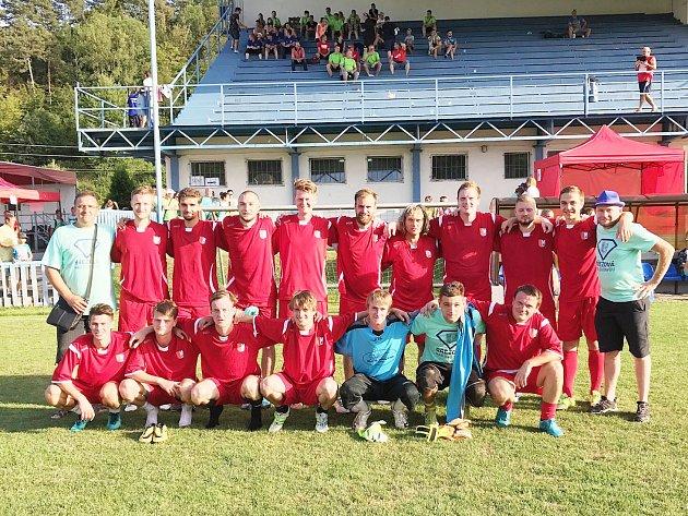 Dobrá reprezentace pod Bradlom. Fotbalisté z Březové nad Svitavou se na turnaji na Slovensku pozitivně naladili na kvapem se blížící ostrý mistrovský výkop v okresní III. třídě.