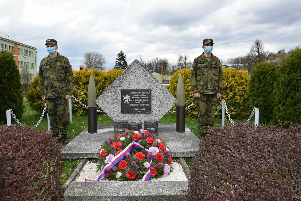 Vojenská škola připomněla výročí ukončení 2. světové války.
