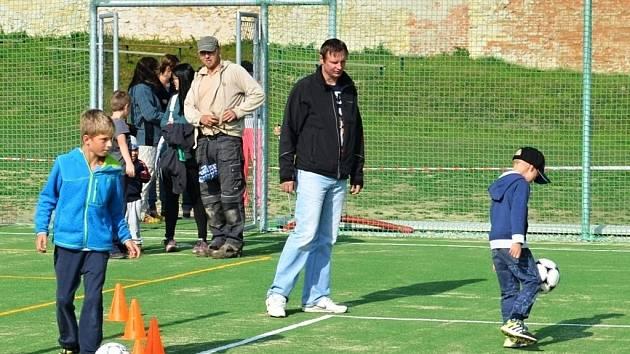 Nové hřiště v Koclířově bude sloužit nejen dětem. Pronajmout si ho mohou i dospělí.