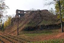 Zřícenu hradu Cimburk v Městečku Trnávka čeká v následujících letech odborný zásah.