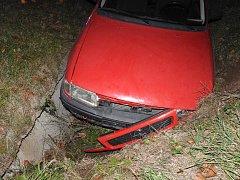 Honička policie a opilého řidiče skončila nehodou.