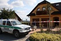 Tragédie se odehrála ve čtvrtek večer na zahradě u rodinného domu ve vilové čtvrti ve Svitavách.