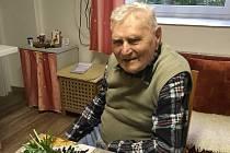 Leopold Přichystal se narodil 22. září 1919 vUnerázce, kde také celý život prožil kromě studií ve Zlíně.