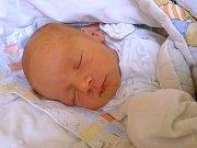 JAKUB STAVĚL. Narodil se 31. srpna v novojičínské nemocnici. Měřil 48 centimetrů a vážil 2,55 kilogramu. Bydlet bude v Poličce.