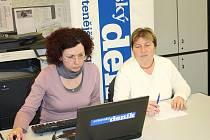Růžena Hejtmánková s webeditorkou Svitavského deníku Terezou Dolinovou.
