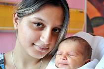 DANIEL PETIK. Rodiče Denisa Šarišská a David Petik z Litomyšle mají od 4. října syna. Chlapeček, který měřil půl metru a vážil 3,05 kilogramu, přišel na svět v litomyšlské porodnici v 15.25 hodin.