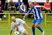 Derby ve Třebové přineslo nesmlouvavý fotbal a boj o každý metr hřiště.