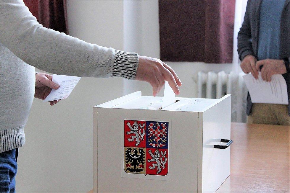 Volební valná hromada krajského fotbalového svazu.