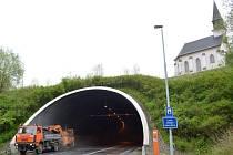 Tunel na Hřebči je kvůli pravidelné údržbě uzavřený.