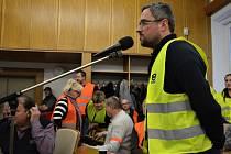 Hlas lidu. Na jednání zastupitelstva vystoupili i někteří nespokojení obyvatelé Lačnova.