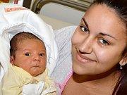 ONDŘEJ FUKSA. Narodil se 30. března Kateřině Menclíkové a Janu Fuksovi z Vysokého Mýta. Měřil 51 centimetrů a vážil 3,8 kilogramu.