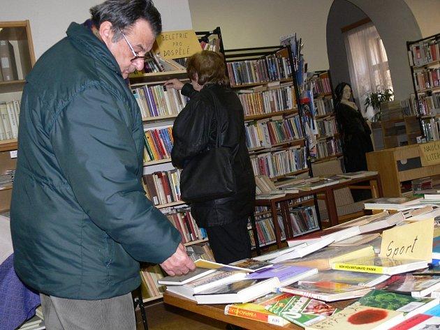 BURZA KNIH v litomyšlské knihovně.