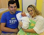 VOJTĚCH BERAN je první radostí pro manžele Anetu a Milana z České Třebové. Vojta přišel na svět 13. října ve 4.27 hodin. Vážil 3,7 kilogramu a měřil půl metru.