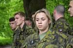 دانش آموزان مدرسه نظامی در Moravska Trebova در کانادا آموزش می بینند و خود را مبدل می کنند.