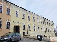 K vraždě došlo na ubytovně v Jevíčku, kde oběť i  vrah bydleli ve stejném pokoji.