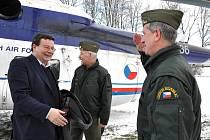 Ministr obrany Alexandr Vondra navštívil vojenskou školu v Moravské Třebové.