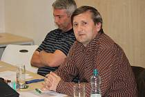 Předseda TJ Slovan Moravská Třebová Pavel Charvát (napravo) se s výsledky práce za minulý rok mohl směle pochlubit.