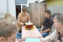 Na Veselce v Litomyšli se vaří pivo už rok.