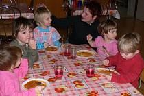 V MATEŘSKÉ ŠKOLE ve Vendolí mají dětí dostatek. Pokud zájem přetrvá, otevřou další třídu a služby nabídnou také rodičům předškoláčků ze Svitav.