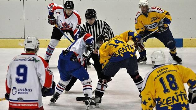 Tým HC 2006 podlehl v prvním finálovém utkání Vysokému Mýtu 2:5.