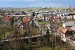 Pohled z věže litomyšlského zámku na Zahájí.