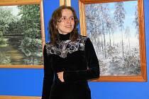 Malířka Jana Svobodová na vernisáži ve Vítějevsi.