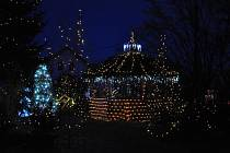 Dům plný světel v Chotovicích.