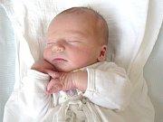 STANISLAV NEUBAUER. Hoch se narodil 19. května v 15.23 hodin ve svitavské porodnici. Sestřičky mu navážily 3,33 kilogramu a naměřily půl metru. S rodiči Lenkou a Stanislavem bude bydlet ve Svitavách.