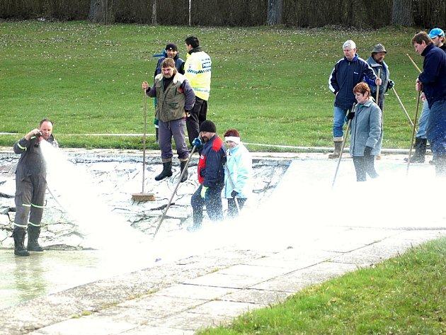 Plovárna v Poličce se chystá na sezonu.