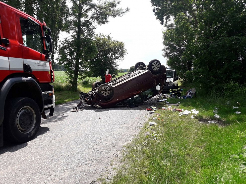 Dopravní nehoda mezi obcemi Morašice a Vidlatá Seč